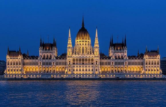Governance of Hungary